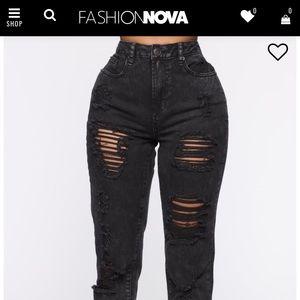 Lightly worn Fashion Nova boyfriend jeans size 3